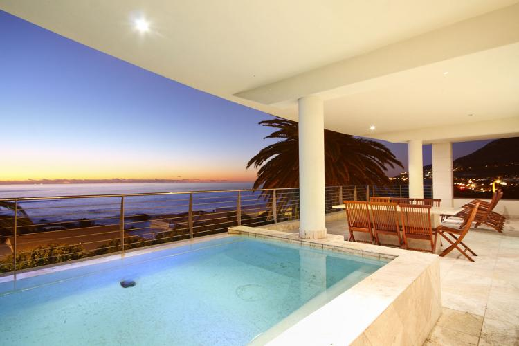 Holiday apartment in Camps Bay, near beach