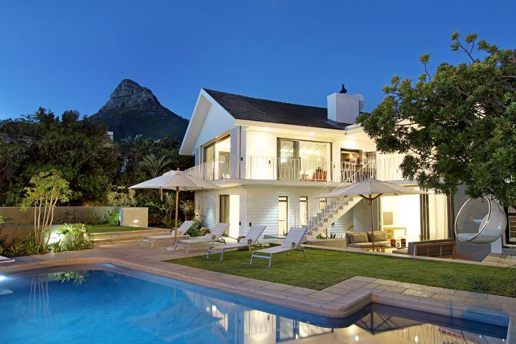 Self catering villa in Camps Bay, with private pool