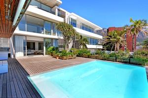 beach bungalow Clifton