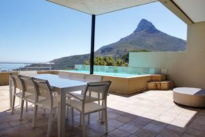 Holiday accommodation in Bantry Bay