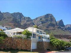 4 star vacation  villa Camps Bay