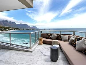 Luxury villa in Clifton