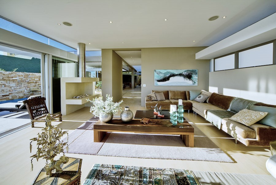Luxury holiday villa in Camps Bay, with private pool