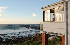 Vacation beach bungalow in Bakoven