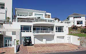 Camps Bay vacation apartment, near beach